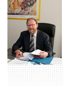 Rechtsanwalt In Frankfurt Für Ua Reiserecht Familienrecht